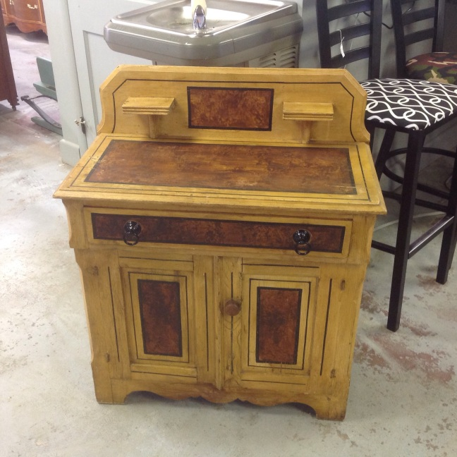 Two tone wash stand